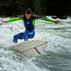 River Surfing in Reuss Bremgarten, CH