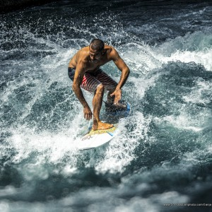 Throwing Buckets at the Eisbach
