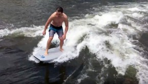 River-surfing-on-a-boggieboard