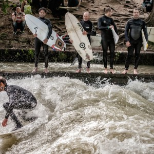 Line-Up at the Eisbach